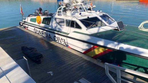 سفينة صيد تعثر على جثة مهاجر سري بساحل قاديس