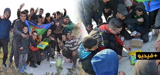 """شاهدوا.. هكذا احتفل الناشط """"رشيد زناي"""" بحلول السنة الأمازيغية الجديدة رفقة """"متشردين"""" بالناظور"""