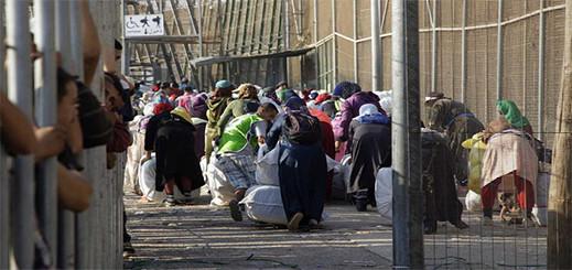 """المغرب وإسبانيا يتفقان على تحديد """"أوقات خاصة"""" للتهريب المعيشي بالثغر المحتل"""