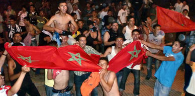 أجواء احتفالية صاخبة بزايو احتفالا بفوز المنتخب المغربي على نظيره الجزائري