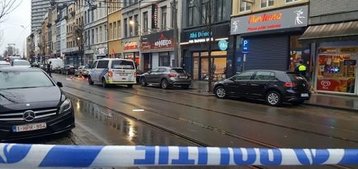 مقتل شخص وجرح اثنان آخران في تبادل لإطلاق النار بين مهاجرين في أنتويرب