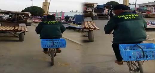 بالفيديو.. مواطن مغربي يتجول عبر دراجة هوائية بزي الحرس المدني الإسباني وجريدة إسبانية تعلق
