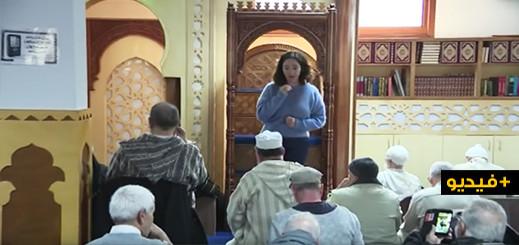 شاهدوا.. عمدة أمستردام تدخل المسجد وتلقي كلمة أمام المصلين بعد العملية الارهابية بنيو زيلاندا