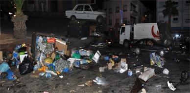 ساكنة حي باصو تنضم الى ركب المحتجين على الوضعية الكارثية لتراكم الأزبال بالناظور