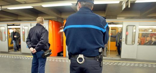 هلع وسط قطار ببروكسل بعد أن أشعل مجموعة من الأشخاص النار في إحدى مقطوراته