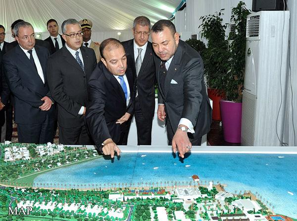 جلالة الملك يترأس بالناضور مراسم التوقيع على ثلاث اتفاقيات شراكة تتعلق بتهيئة مدينتي أطاليون، الشاطئين، وإحداث وحدات فندقية وإقامات سياحية