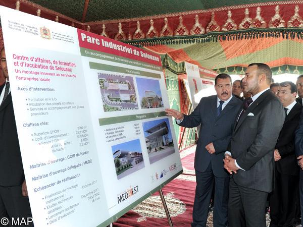 جلالة الملك يطلع على تقدم أشغال الشطر الأول للحظيرة الصناعية بسلوان بكلفة بلغت 300 مليون درهم