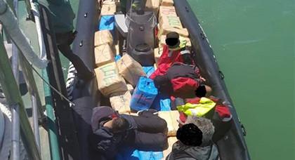 تفاصيل حجز حوالي 5 أطنان من الحشيش على متن قاربين وإعتقال 7 أشخاص بينهم مغاربة