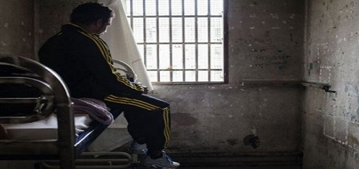 خلاف حول فتاة يدفع طالبا مغربيا لقتل زميله.. والمتهم يواجه الإعدام