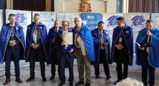 توشيح أستاذ مغربي في رومانيا بوسام راقي تقديرا لاسهاماته في تقدم العلوم والاختراعات