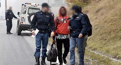 قانون الهجرة الجديد: عدم الإلتزام بقرار الترحيل من فرنسا يمنع المهاجر من تسوية وضعيته داخل بلدان الإتحاد الأوروبي