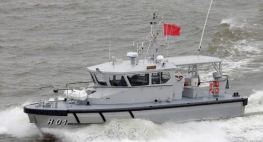 البحرية الملكية تقدم الإغاثة لمراكب مطاطية تقل 169 مهاجرا سريا