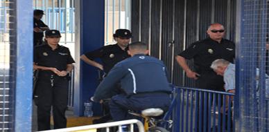 مصالح الأمن الوطني بالمعبر الحدودي الوهمي باب مليلية تعتقل إسبانية بتهمة التهجير السري