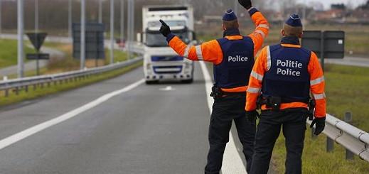 بروكسل..تفكيك شبكة لتهريب المهاجرين واعتقال عشرات الأشخاص