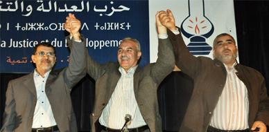 سعد الدين العثماني يؤكد خلال لقاء تواصلي بالناظور على أن انتخابات 25 نونبر المقبلة فرصة مواتية للقطع مع الفساد والاستبداد