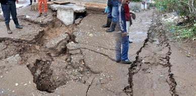 ساكنة حي العمال بقيادة بني بويفرور تنضم الى ركب المحتجين على رداءة قنوات الصرف الصحي بعد الأمطار الغزيرة التي عرفتها المنطقة