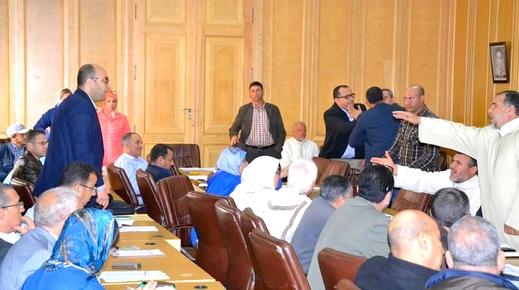 """فريق حزب """"البام"""" بمجلس جماعة وجدة يخرج ببلاغ للرأي العام حول مستجدات المجلس ويفند الإشاعات الموجهة للتنظيم"""