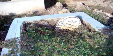 مقابر بزايو تتعرى بفعل السيولات المطرية والمسؤولين ينتظرون رحمة الله لصيانتها