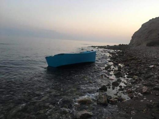 """توقيف مرشحين للهجرة السحرية على متن قارب تقليدي بكورنيش """"ساباديا"""" بالحسيمة"""
