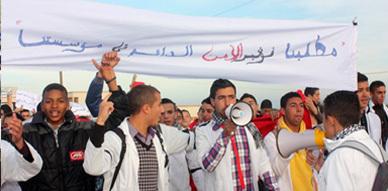 تلاميذ ثانوية الحساني بسلوان ينتفضون إحتجاجا على الوضع الأمني بالمؤسسة
