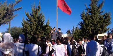 تلاميذ ثانوية بني شيكر ينظمون مسيرة احتجاجية تعبيرا عن غضبهم من الأوضاع التربوية التي تعاني منها المؤسسة