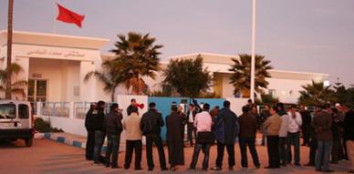 حركة 20 فبراير تتظاهر ضد خروقات مستشفى محمد السادس بالعروي