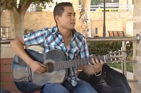برنامج أوراق ثقافية بقناة تمازيغت يسلط الضوء على الشاب الموهوب سفيان البراقي