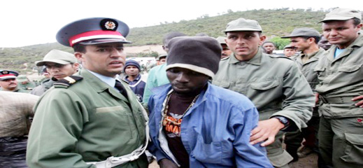 سلطات الأمن بتزاغين توقف 52 مهاجرا سريا ينتمون لدولتي السينغال وغينيا