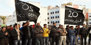 """بعد انسحاب جماعة العدل والإحسان.. نشطاء حركة 20 فبراير بالناظور يواصلون مسيراتهم ضد """"الفساد"""""""