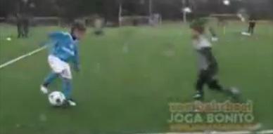 طفل مغربي في طريقه لإطاحة ميسي ورونالدو من على عرش الكرة العالمية !!!