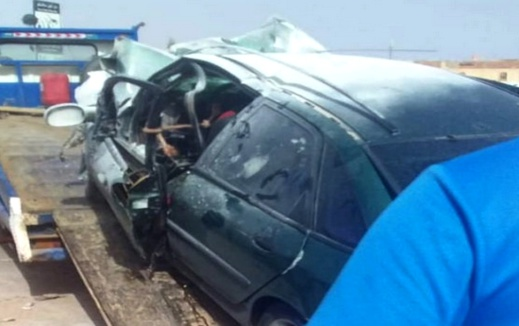 بالصور.. سيارة محملة بكمية من الخمور تتسبب في حادثة سير خطيرة بوجدة