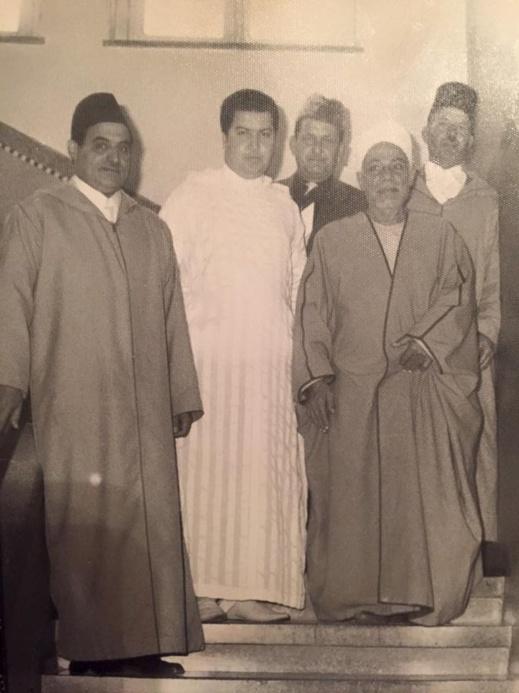 صورة قديمة ونادرة تؤرخ لزيارة شيخ الأزهر المصري