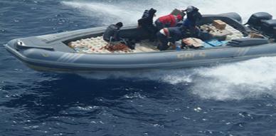 حجز قارب مطاطي على متنه ثلاثة أطنان من المخدرات واعتقال ثلاثة مهربين من طرف الدرك البحري ببحيرة مارتشيكا