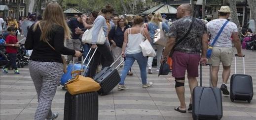 اختيار المغاربة قضاء عطلة الصيف بإسبانيا ينعش القطاع السياحي بالجارة الشمالية للمغرب