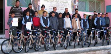 مجموعة مدارس حاسي بركان توزع دراجات هوائية على متعلميها