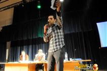 مواطن يتهم منعم الفتاحي بالدفاع عن مارتشيكا