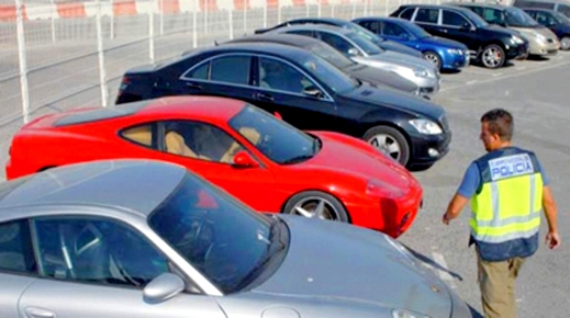 بعقود مزورة.. مغاربة يسقطون في فخّ النصب والسرقة خلال اقتناء السيارات الإسبانية المستعملة