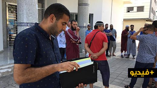 جمعية العهد الجديد للتجار المتنقلين ينظمون وقفة صامتة بمدينة الناظور وهذه مطالبهم