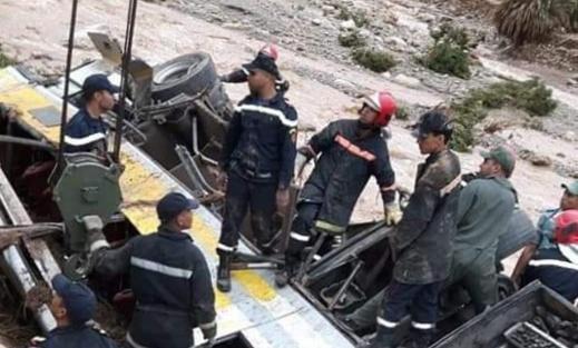ارتفاع حصيلة القتلى في حادث غرق حافلة للمسافرين بواد دمشان