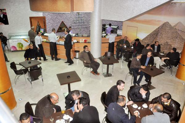 إفتتاح مقهى وبيتزيريا بيراميد بالناظور بتجهيزات حديثة وجودة الخدمات