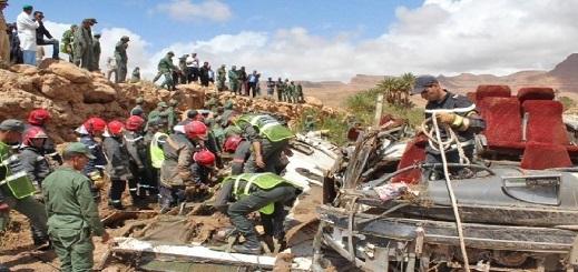 ارتفاع حصيلة القتلى في انقلاب حافلة الرشيدية جراء الفيضانات إلى 24 شخصا