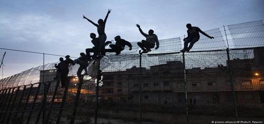 حزب إسباني يطالب بقطع الدعم المخصص للمغرب وتشييد سياج فاصل بين الناظور ومليلية