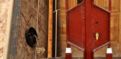 مجموعة من المنازل بحي أولاد بوطيب بالناظور تتعرض لسرقة مفاتيحها من طرف أشخاص مجهولين