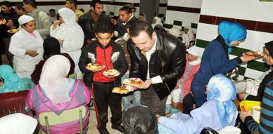جمعيتا الفتوة والنماء بالناظور تنظمان زيارة تفقدية لنزلاء دار التكافل بمناسبة عيد المولد النبوي الشريف