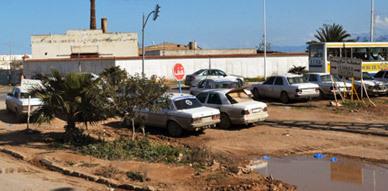 سائقو سيارات الأجرة الكبيرة تاويمة يطالبون بحلول لوضعيتهم وعامل الإقليم يتوعد بحلول واقعية