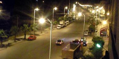 بعد طول انتظار.. مصابيح شارع محمد الخامس بسلوان تشتغل