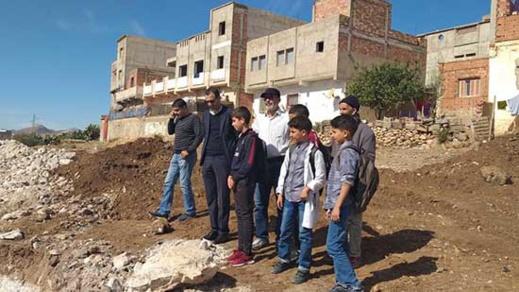 """بعد طول انتظار.. انطلاق أشغال بناء مدرسة ابتدائية بدوار """"لكماش-اشخيا"""" بجماعة بوعرك"""