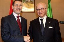 وزيرا خارجية المغرب والجزائر يوقعان مذكرة تفاهم