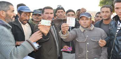"""دوار """"الحرشة"""" المترامين على اراضي الغير بجماعة اولاد استوت يطالبون بتسوية عاجلة لمشكل الماء والكهرباء"""