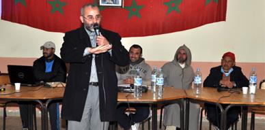 الفعاليات الجمعوية ببني شيكر في ندوة حول واقع الرياضة بالجماعة .